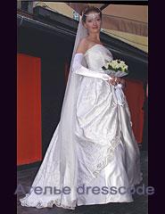 свадебное платье с ручной вышивкой жемчугом